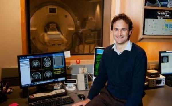 """"""" J'ai conduit les premières expériences sur le cerveau méditant """"."""